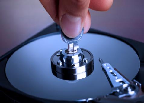 黃仁勛強調:NVIDIA不會將網卡和顯卡二合為一
