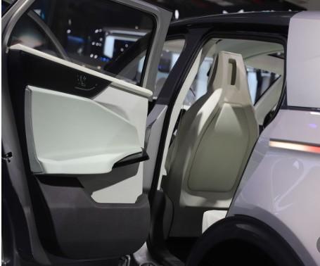 特斯拉的自动辅助驾驶功能,其可靠性没有被所有消费...