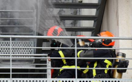 在火灾发生时余压监控系统能有效地控制烟气的蔓延