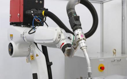 AGV无人搬运车在自动化物流和仓储等行业中广泛应用