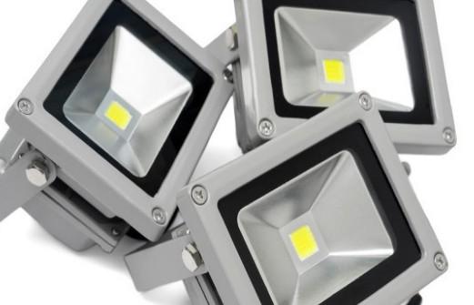 下游LED显示屏需求回升明显