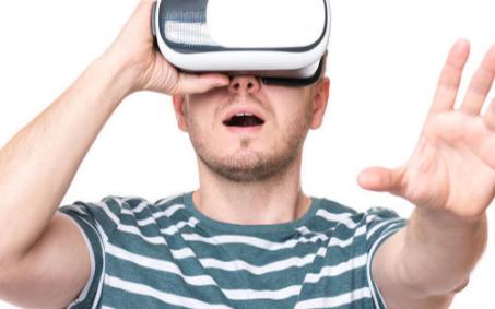 VR教育系统将打造不一样的沉浸式、可互动的学习体验