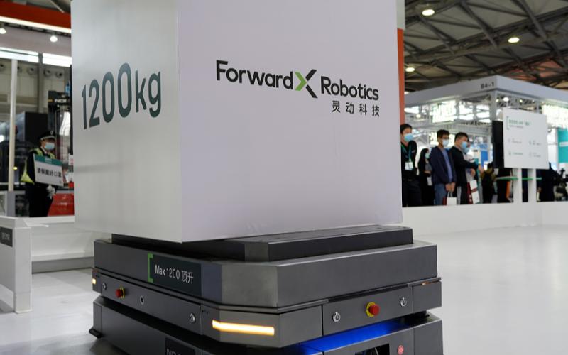 靈動科技發布第四代移動機器人