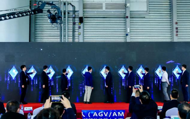 5G+工业应用移动机器人物流解决方案蓝皮书 于1...