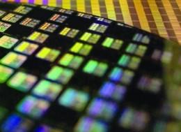 美国对中国芯片产业的围堵将拖累和延误我国数字化的...