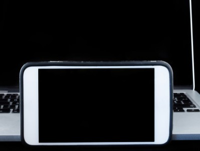 iPhone12 Pro Max预定量火爆,总计...