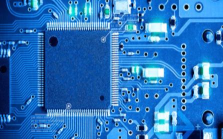 使用51單片機實現按鈕與繼電器控制的工程文件免費下載