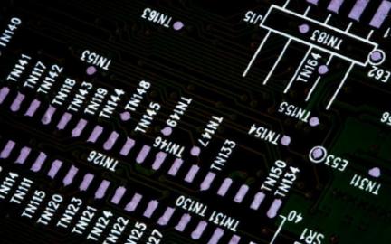 Custom MMIC低相位噪声放大器的主要特性...