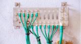 如何使用PCB孔来减少EMI