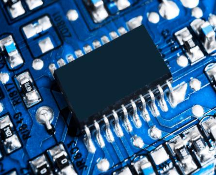 ASML向中国出售光刻机,将不利于国产芯片替代发...