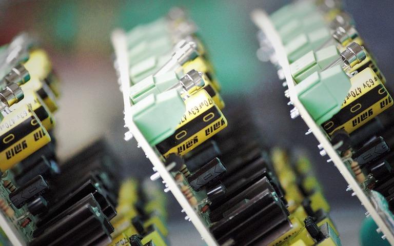 上游产能紧张 存储器、LCD驱动全线大涨20%