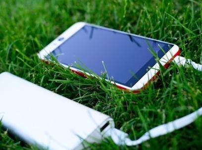 貝爾金推兩款全新無線充電器,可為物品消毒