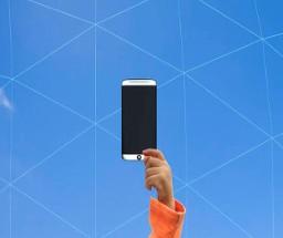 最新消息:三星计划在Galaxy Fold 3上量产屏下摄像头技术