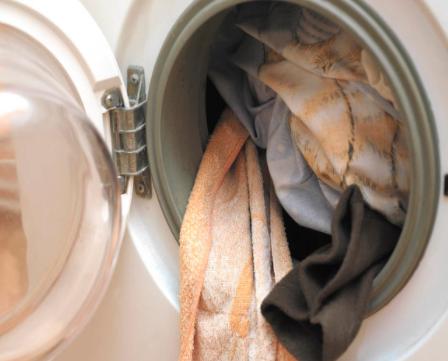 洗衣机不使用时是否需要拔掉插头?