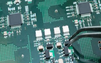 如何使用FRAM实现高温测试仪的设计