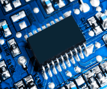 Intel主动调整将部分处理器交由台积电代工
