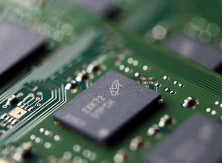 """各路晶圆厂产能吃紧  DRAM内存厂商上演""""阴谋论""""?"""