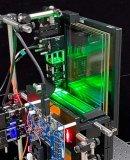 三星研究人员:超薄交互式全息显示屏,集成到移动设备中