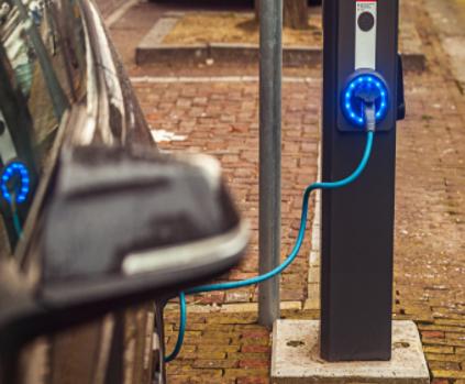 英國首個純電動汽車快充服務站正式開業