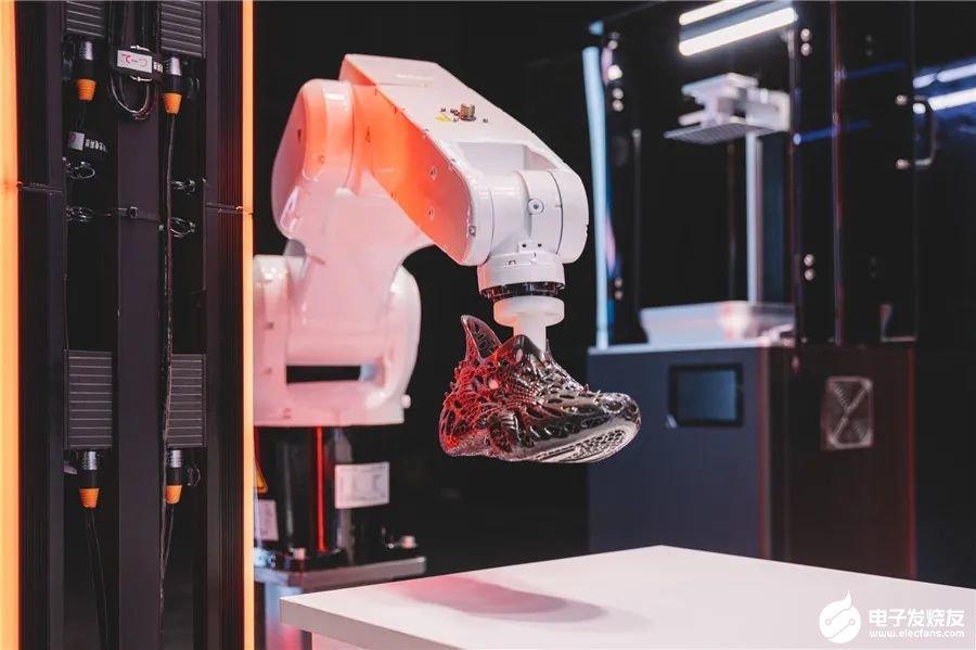 匹克宣布3款全新匹克3D打印最新产品,运动装备走向智能制造