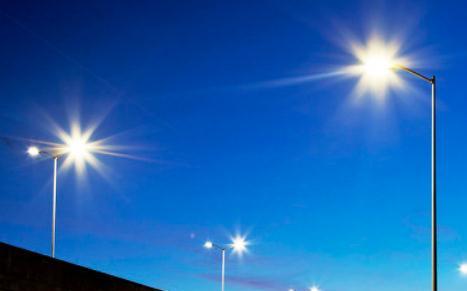 LED灯杆屏承担了加快数字化城市镜像演绎进程的重...