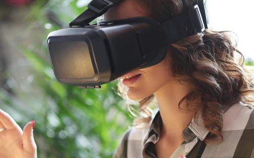 巨头争相涌入,VR/AR崛起道路上已无障碍