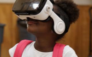 初创公司带孩子们通过VR进行各种实地考察