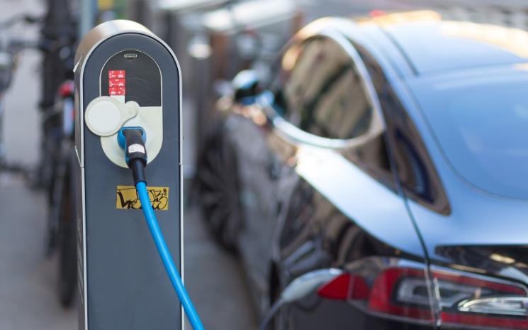 丰田章男:电动汽车会排放更多二氧化碳