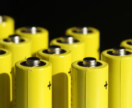 """儲能東風已吹起,鋰電池""""百團大戰""""將結束"""