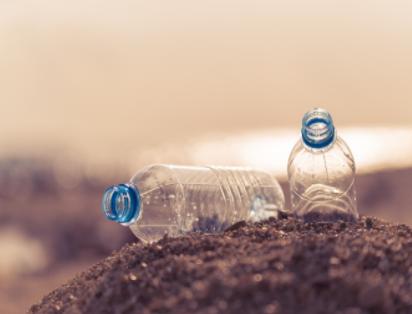 美國成功將塑料廢材改造成粘合劑