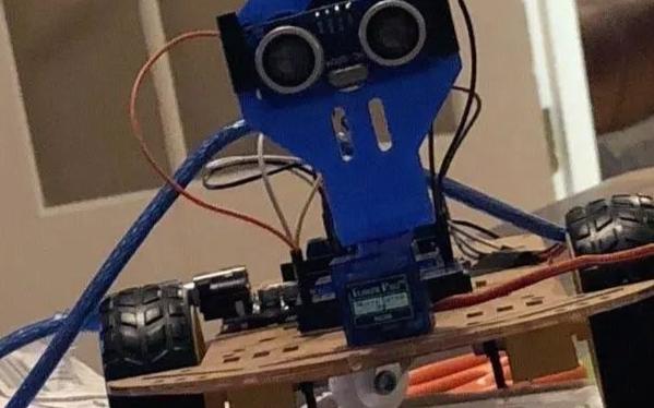 避免障礙物的Arduino控制汽車設計方案
