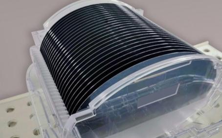 首台大尺寸集成电路单晶硅生长设备试产成功