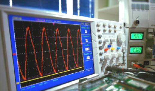 浅谈实测测量电路和示波器获得波形的数学表达式