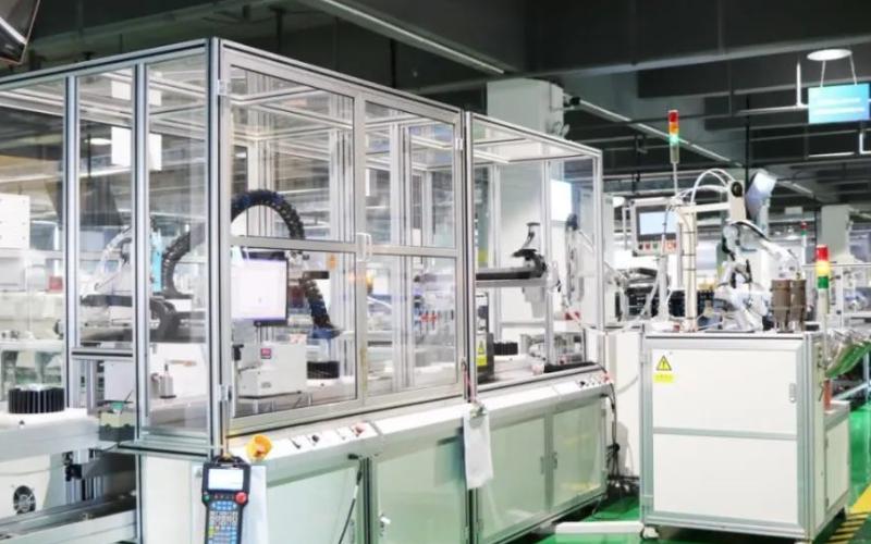 东旭光电始终走在石墨烯研发应用与产业融合的最前沿