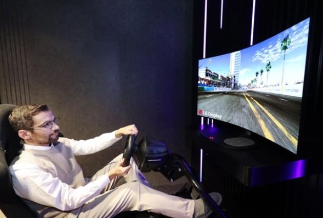 LG将发布首款可形变OLED显示器