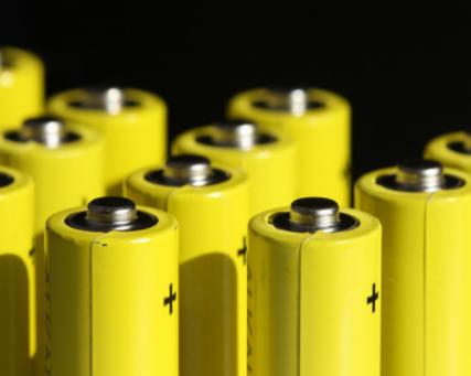 传蔚来保下宁德时代磷酸铁锂电池生产线