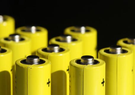 特斯拉已与松下达成新的电池交易