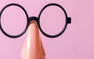 Facebook的智能眼镜或将在2021年到来,没有AR数字叠加技术