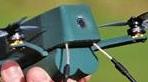 """英国研发""""虫""""微型无人机,其重量仅相当于一台智能手机"""