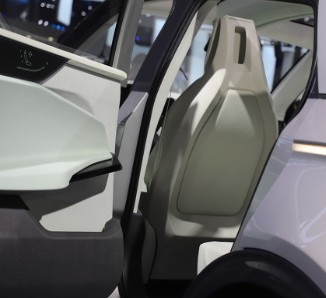 蔚来推出电动轿车ET7 提供两种购车方案