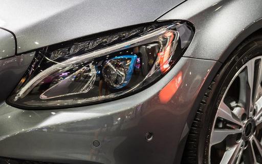 飞乐音响子公司正准备特斯拉前雾灯LED模组产品的首次量产交付
