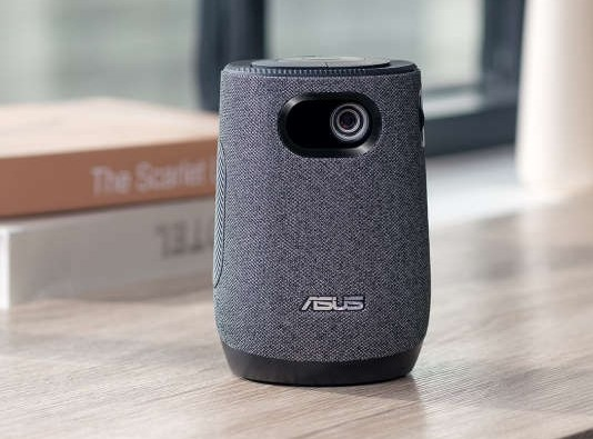 华硕发布便携投影仪:自带 10W 音箱、内置智能系统、支持无线投屏