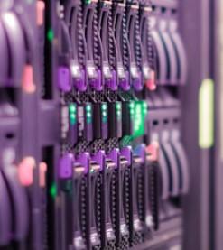 Microchip宣布业内首款三模式存储控制器实现量产
