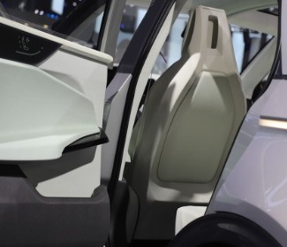 特斯拉报告显示数字对自动驾驶仪功能更为有利