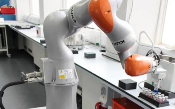 聪明又能干的机器人化学家 每天工作21.5小时,自主发现新型材料
