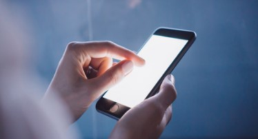 报道称苹果正为iPhone13测试屏下指纹