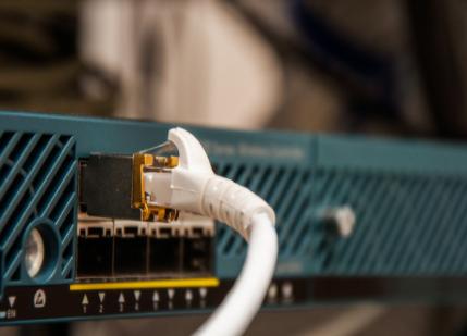 浅谈光纤收发器和工业交换机的区别