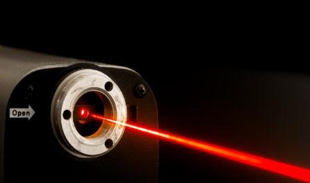中飞股份红外光学与激光器件产品有望春节后实现试生...