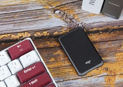 评测爱国者S7移动固态硬盘:又快又小