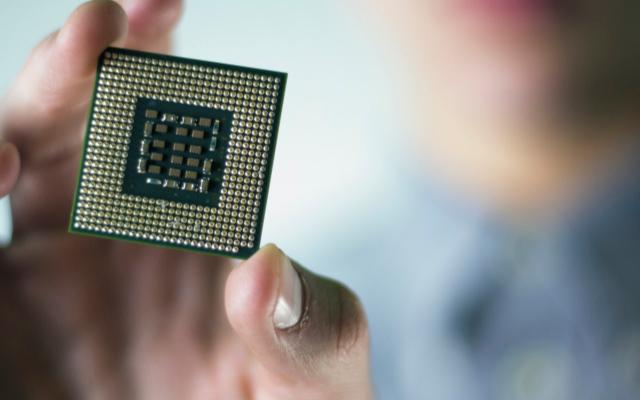 胡伟武:完善14nm芯片更重要 基础踏实了,才有发展的可能